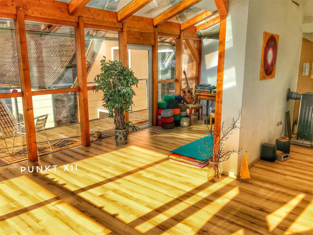 Wohnung 1 mit Balkon und Sicht auf dem Steigerwald