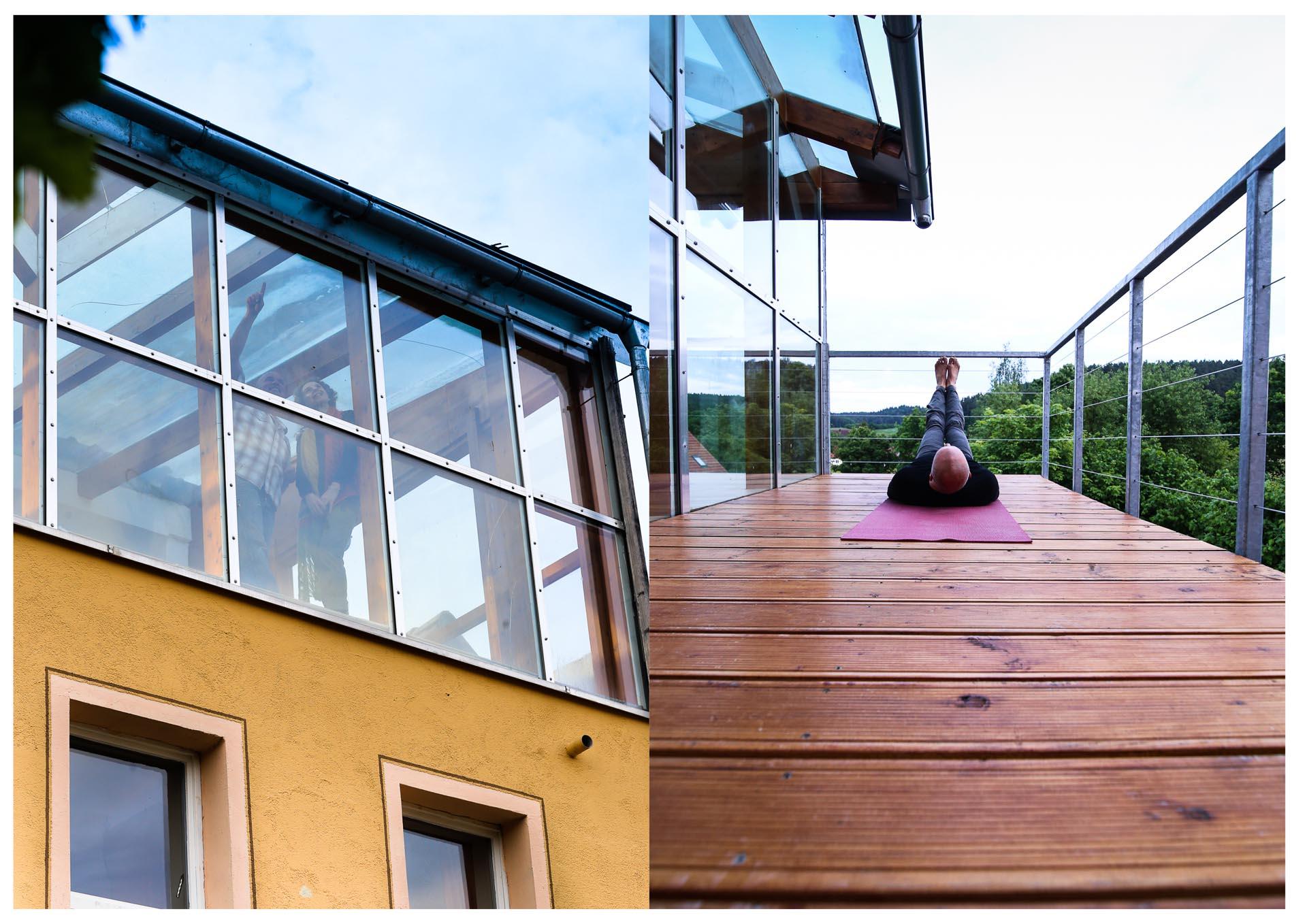 wohnung 1 mit balkon und sicht auf dem steigerwald punkt xii ort der begegnung. Black Bedroom Furniture Sets. Home Design Ideas
